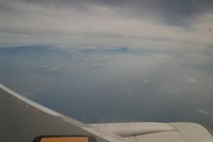 右に富士山